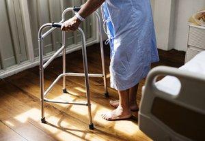 pflege senior krank zusatzversicherung